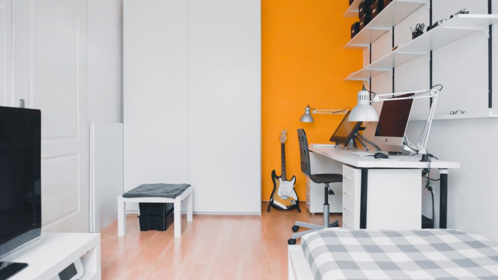 Our top tips for decluttering your home to sell